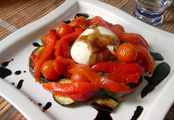 Antipasti des l gumes la mozarella - Antipasti legumes grilles ...